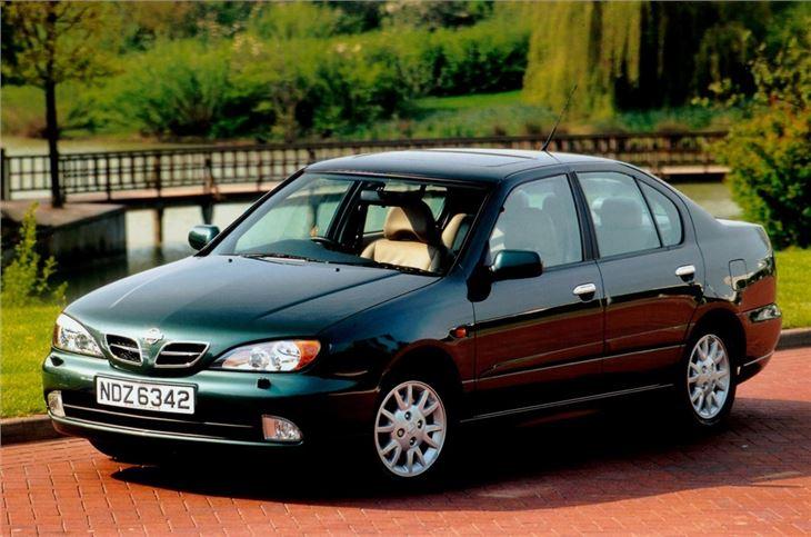 Nissan_Primera_(4).jpg